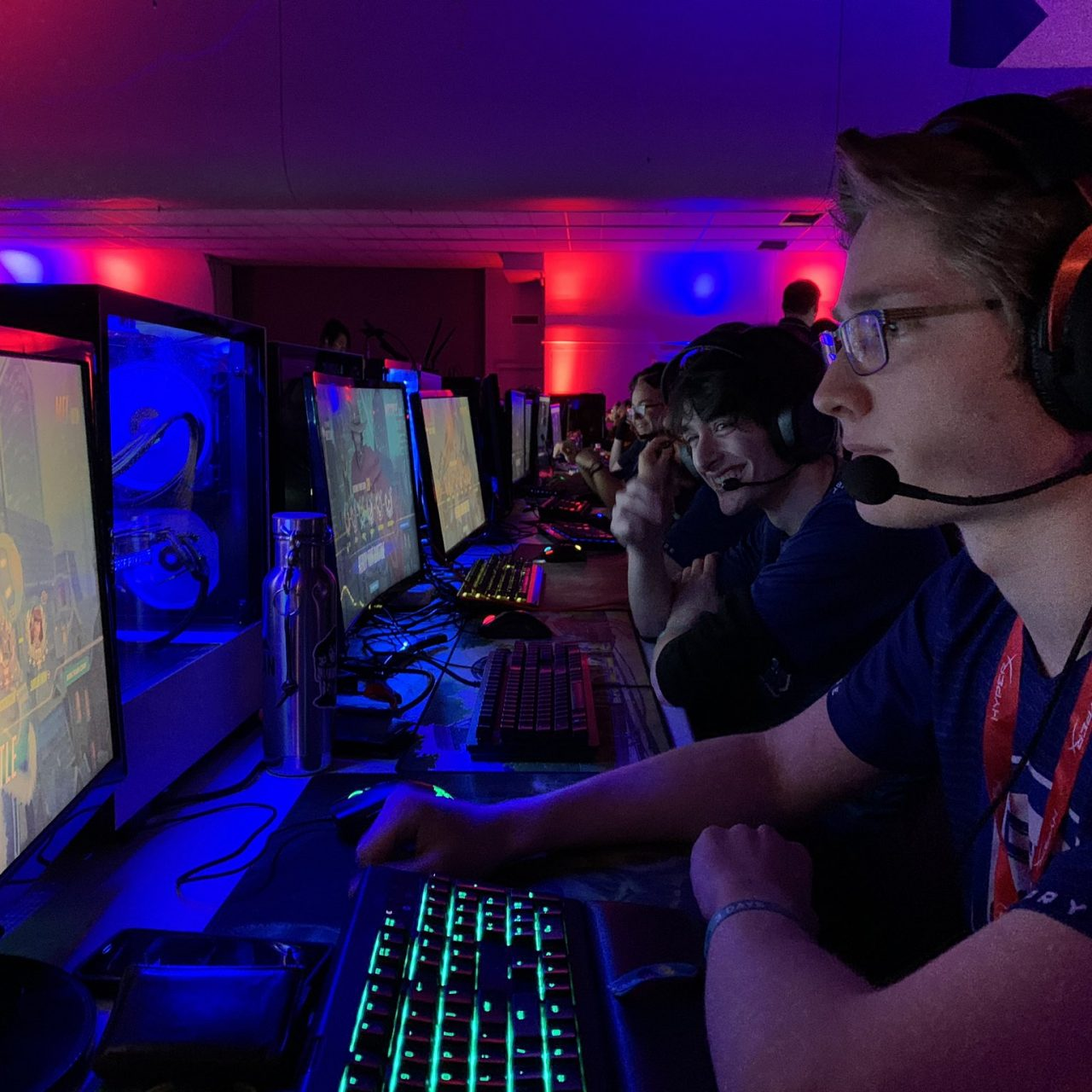 Student playing Esports games